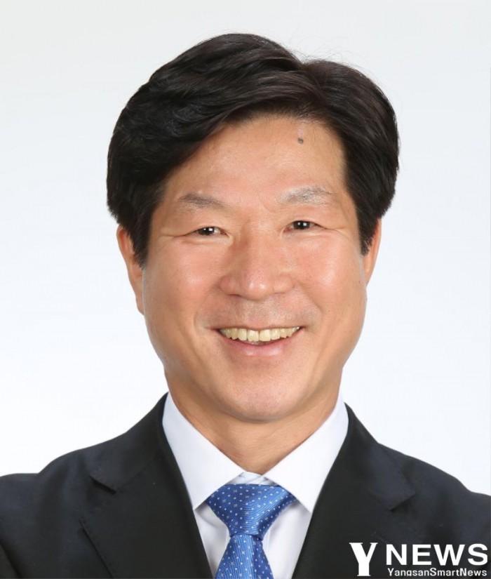 표병호(양산3)의원 사진.jpg